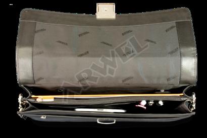 Černá kožená aktovka se dvěma vnitřními přihrádkami