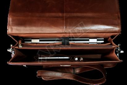 Hnědá kožená aktovka s přihrádkou pro notebook