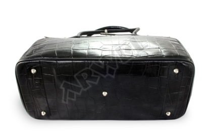 Dámská černá kabelka s motivem krokodýlí kůže