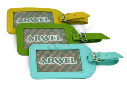 Zelená kožená visačka na zavazadlo