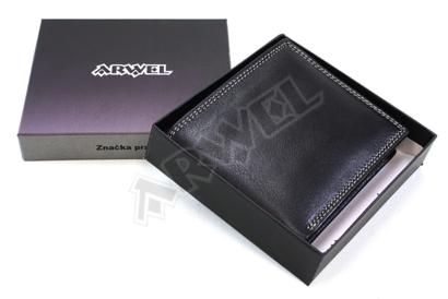 Černá kožená peněženka