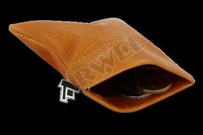 Světle hnědá kožená kapsa na mince s pružinou