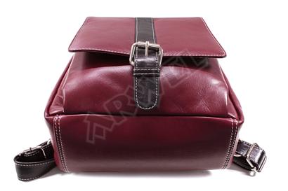 Červenočerný kožený batoh