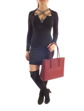 Luxusní šaty s kamínky v dekoltu černé
