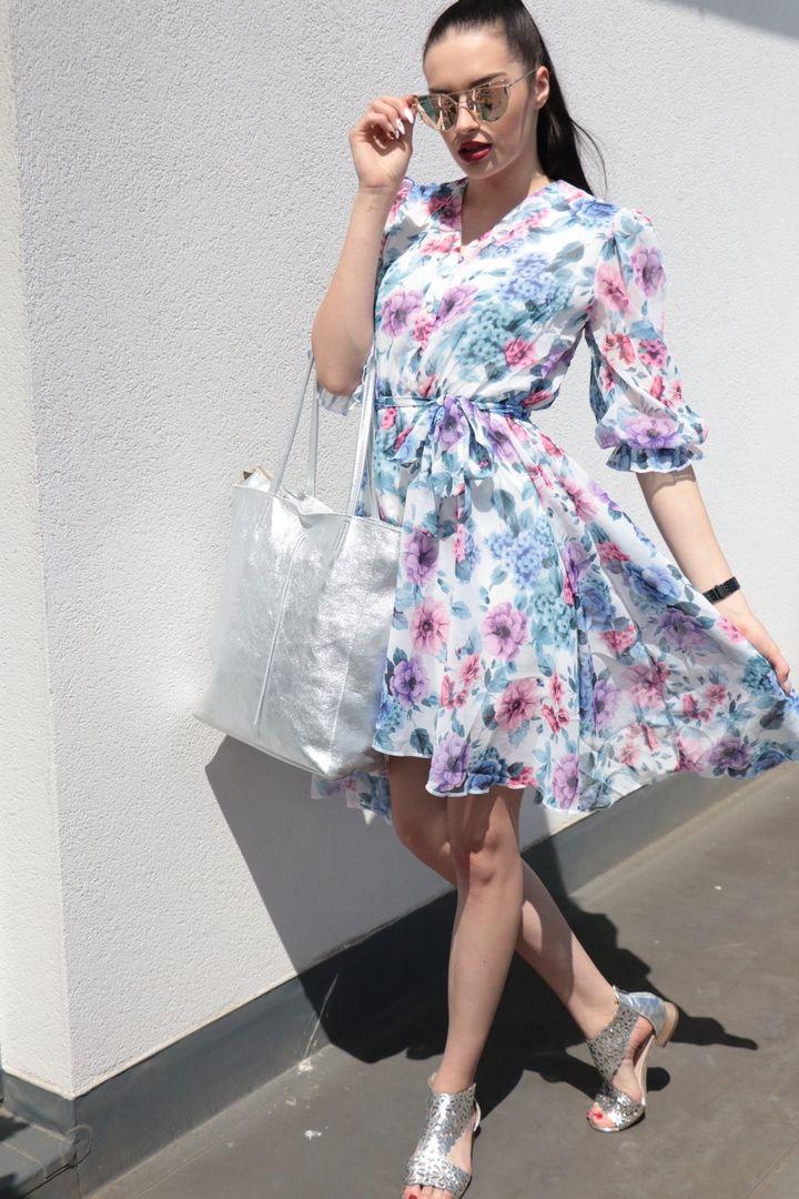Šaty s květy modré vel. 42