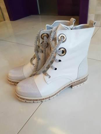 Kožené Bílé kotníkové boty Vel.37