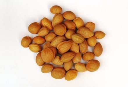 Ořechy » MANDLE